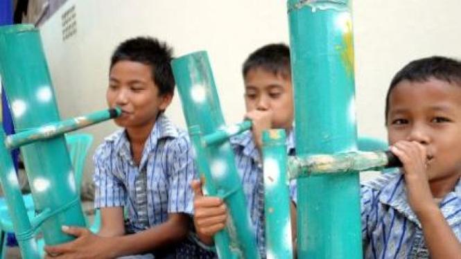 """alat musik bambu tradisional Tana Toraja """" Pa'pompang"""""""