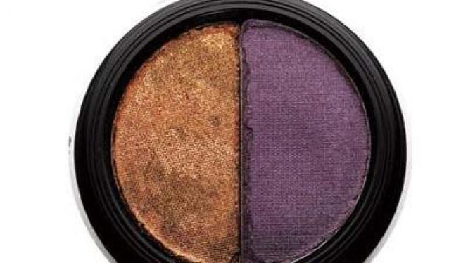 Eyeshadow warna emas dan ungu