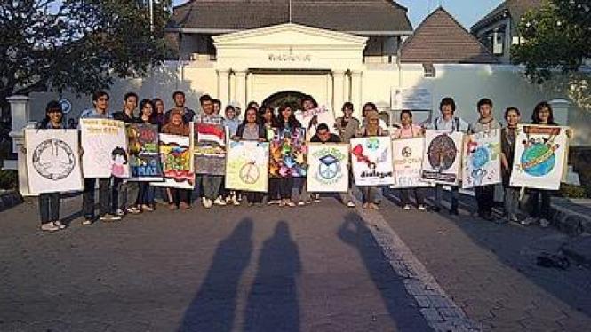 Demo Hari Perdamaian Dunia
