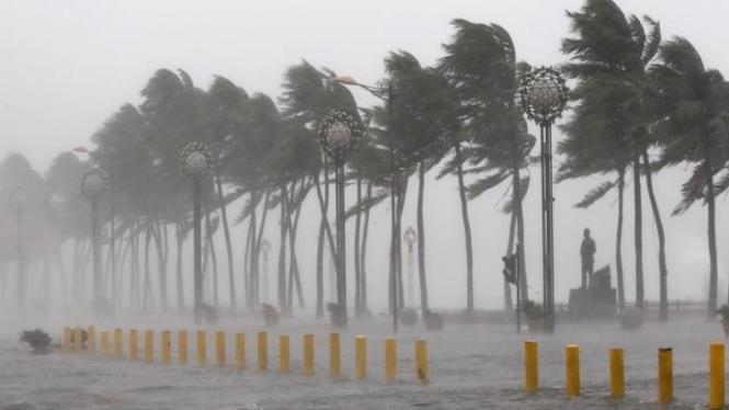 Ilustrasi hujan dan angin kencang.