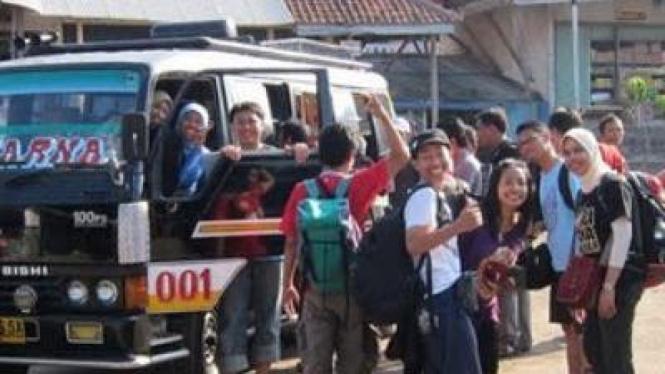 Perjalanan ke Desa Sawarna