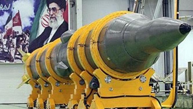 Rudal buatan Iran.