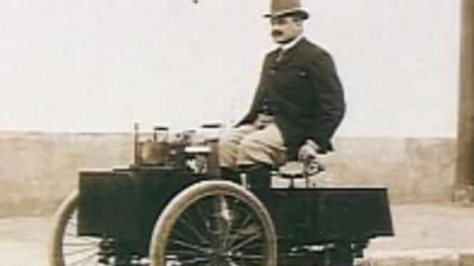 Mobil antik bertenaga uap