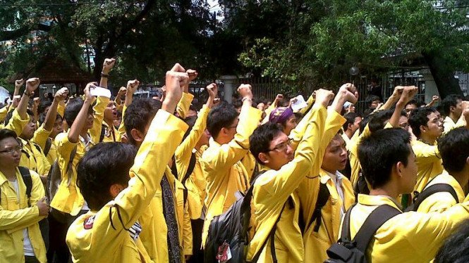 Demo mahasiswa Universitas Indonesia di Salemba