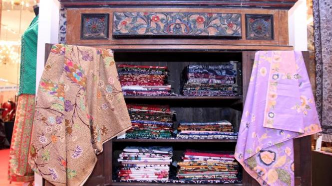 Koleksi Kain dan Busana Batik Milik Rumah Pesona Kain