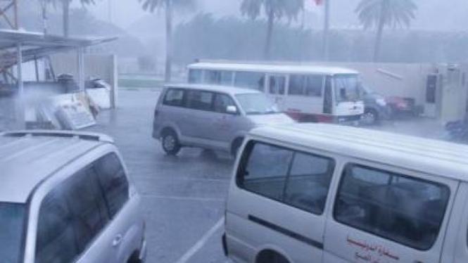 Suasana ketika hujan es turun di Makkah