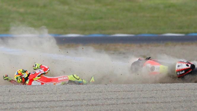 Valentino Rossi mengalami kecelakaan di MotoGP Jepang