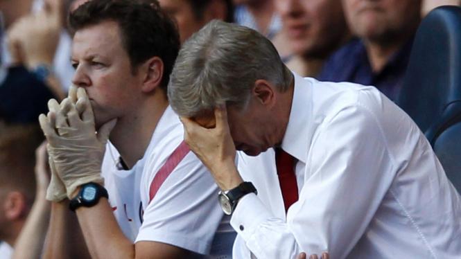 Arsene Wenger (kanan) di pertandingan melawan Tottenham