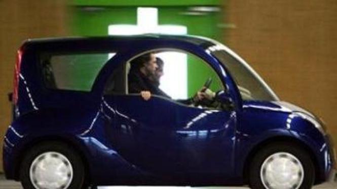 Rental mobil listrik di Paris