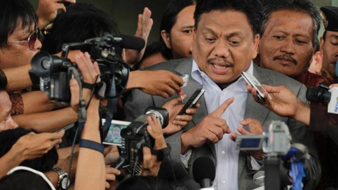 Wakil Ketua Banggar Olly Dondokantbey Usai Diperiksa KPK