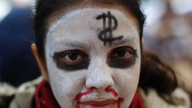 Aksi Demo Para Zombie