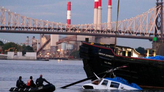 Kecelakaan Helikopter Di New York