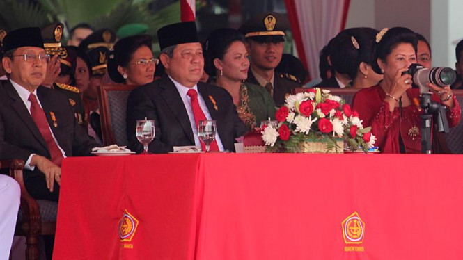 Presiden Susilo Bambang Yudhoyono di HUT TNI ke-66