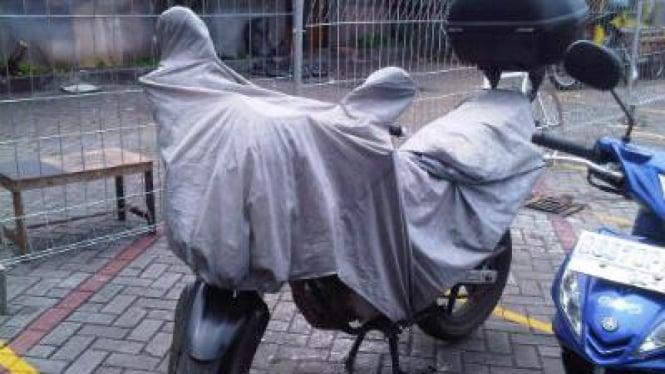 Jas Hujan untuk Motor