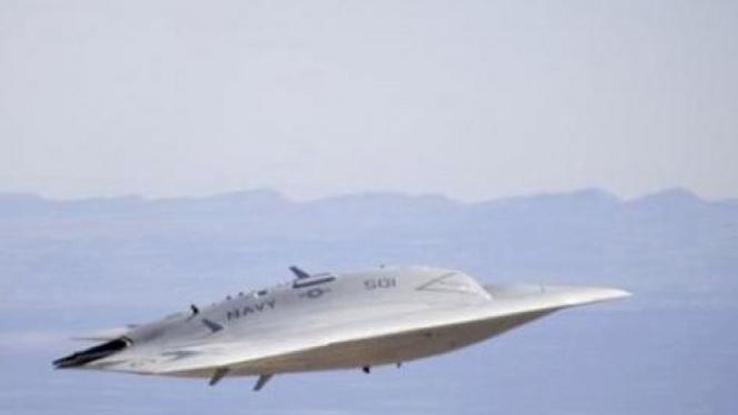 Pesawat  X-47B drone