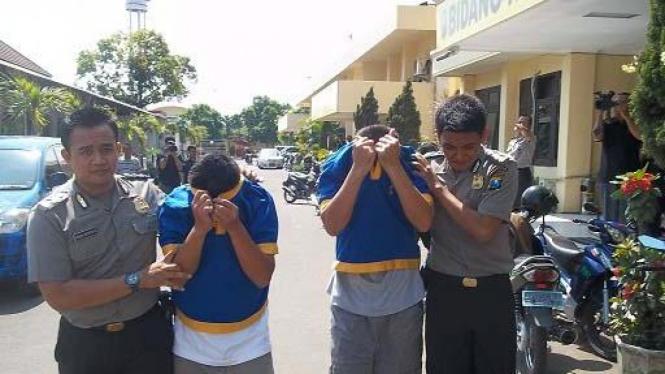 Dua oknum Imigrasi Tanjung Perak, Surabaya dibekuk