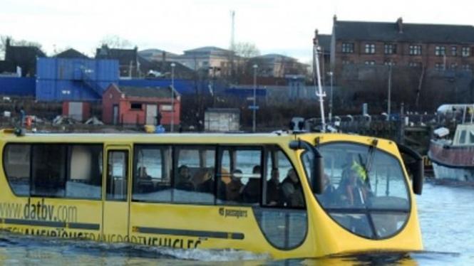 Bus Amfibi, Amphibus