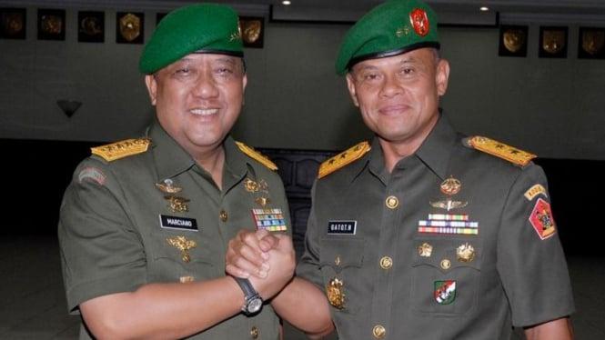 Sertijab Kodiklat Letjen TNI Marciano Norman ke Mayjen TNI Gatot Nurmantyo