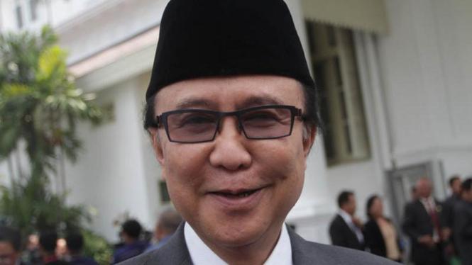 Menteri Kelautan dan Perikanan, Sharif Cicip Sutardjo