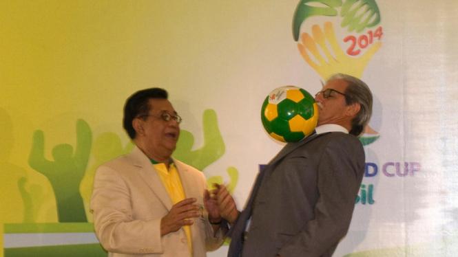 Paulo Roberto Suarez (kanan) Duta Brazil