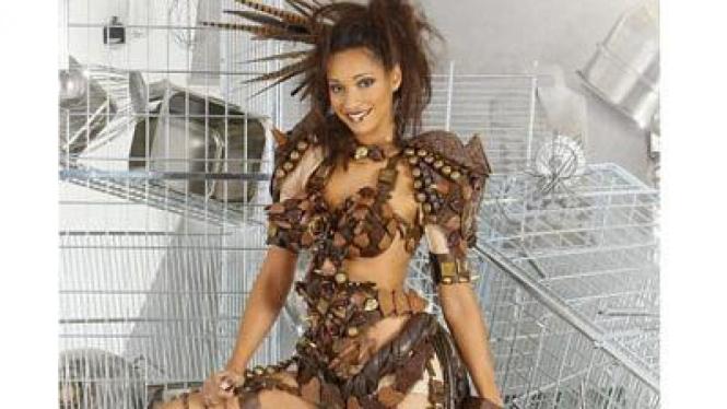 Bikini dari 300 cokelat