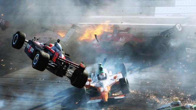 Kecelakaan maut di IndyCar World Championship, Minggu16 Oktober 2011