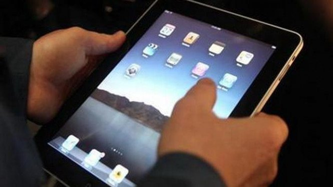 Ilustrasi penggunaan komputer tablet