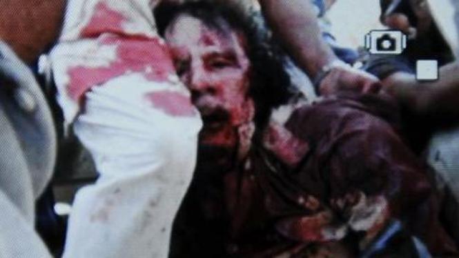 Mayat yang diduga Moammar Khadafi