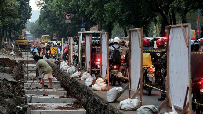 Pekerjaan Saluran Air Antisipasi Banjir