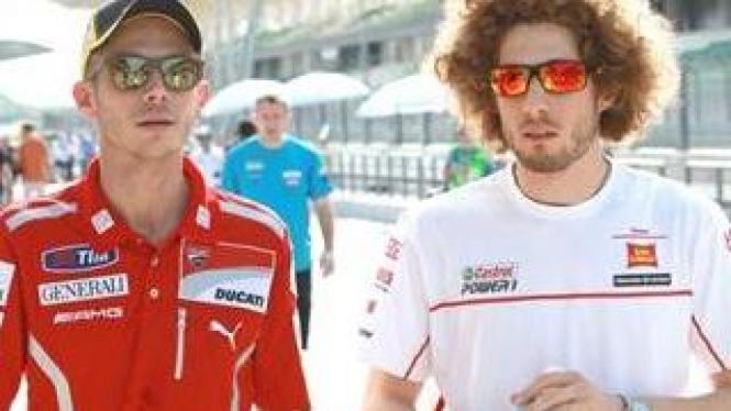 Valentino Rossi dan Alm. Marco Simoncelli