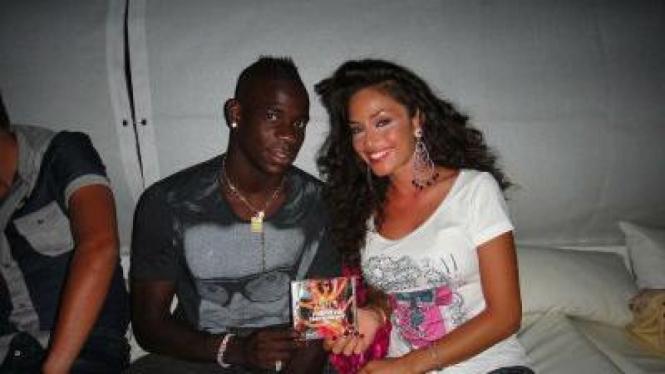 Mario Balotelli dan Raffaela Fico