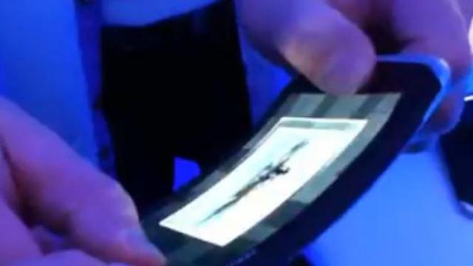 Nokia perlihatkan ponsel lentur