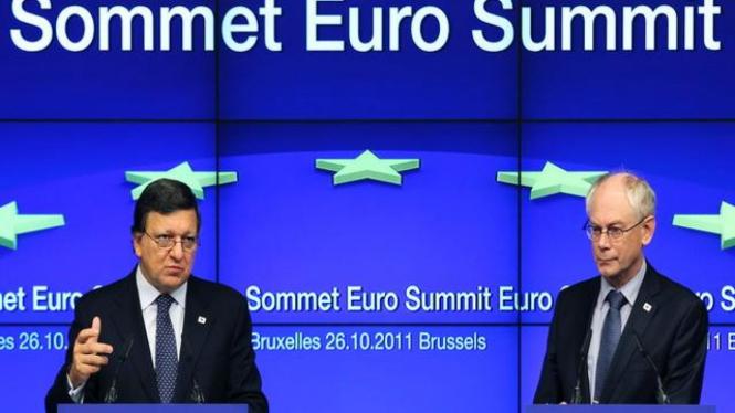 Pejabat tinggi Uni Eropa memberi keterangan pers di Brussels