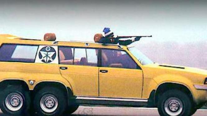 Mobil khusus berburu elang milik raja Saudi Arabia