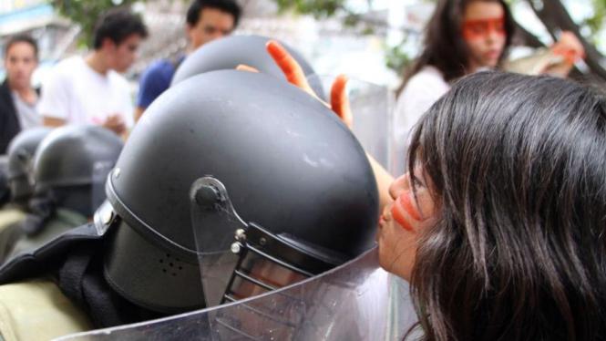 Aksi demonstrasi mahasiswa di Bogota