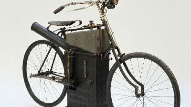 Roper Steam Motorcycle produksi 1894