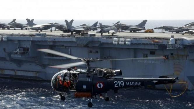 Helikopter dan pesawat tempur NATO