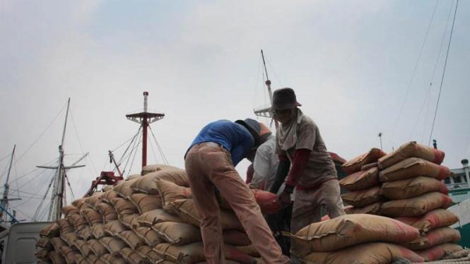 Buruh Angkut Pelabuhan Sunda Kelapa