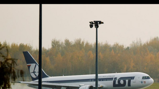 Boeing 767 Mendarat Tanpa Roda