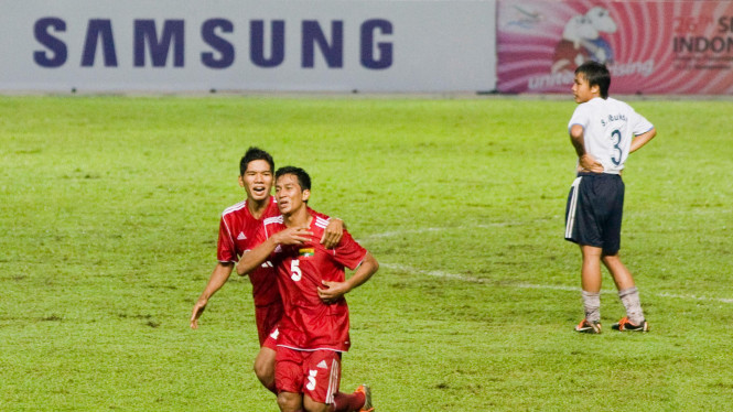 Laos Vs Myanmar Di Seagames 2011