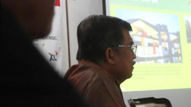 Jusuf Kalla Teleconfrence Dengan Direktur New 7 Wonders