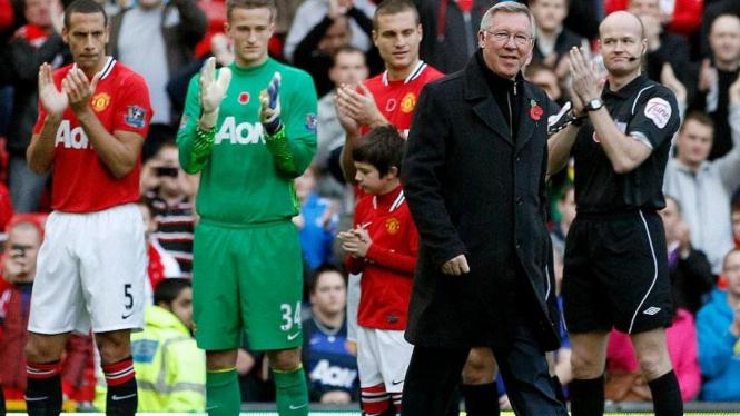 Perayaan 25 tahun karir Sir Alex Ferguson di Manchester United