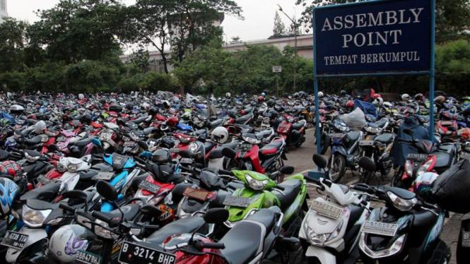 Parkir Motor di Jakarta