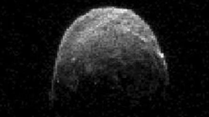 Asteroid 2005 YU55 1