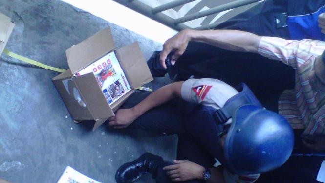 paket mencurigakan di jembatan Semanggi