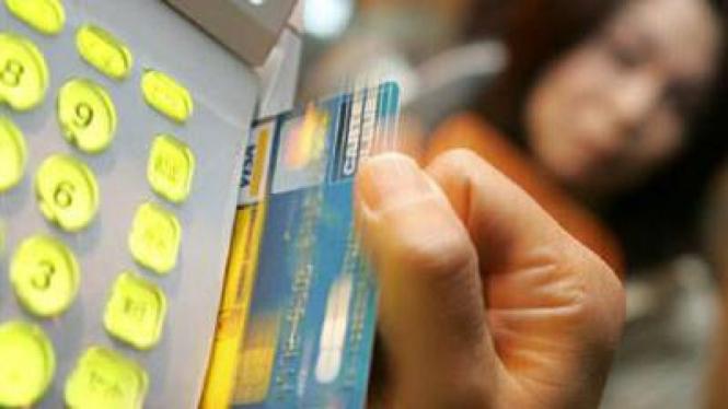 Ilustrasi Transaksi Kartu Kredit