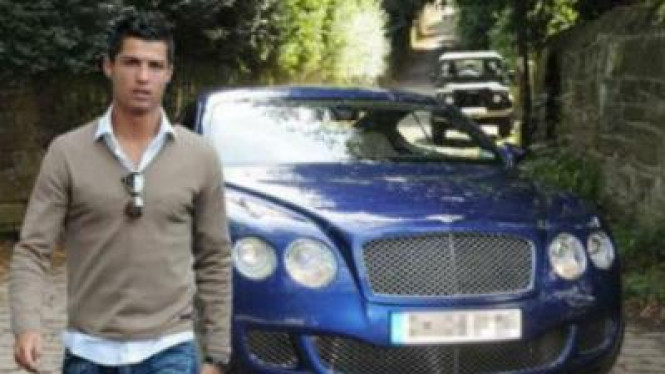 Ronaldo dan Bentley Continental GT
