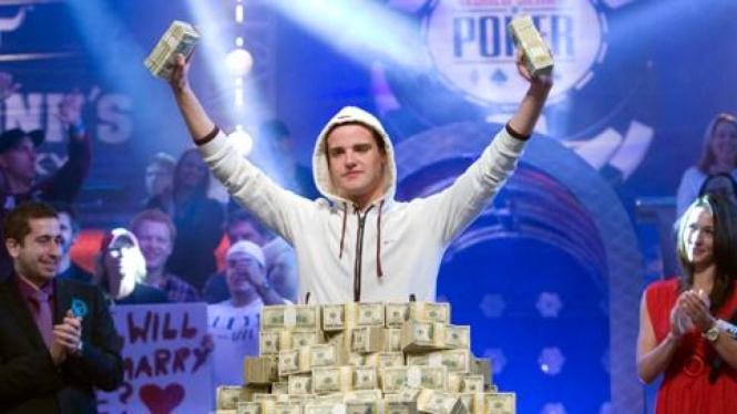 Pius Heinz, pemenang turnamen poker berhadiah Rp77 triliun