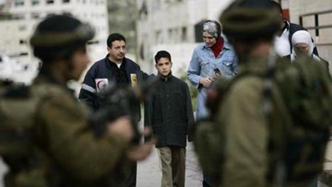 Tentara Israel berjaga di Nablus, Tepi Barat.
