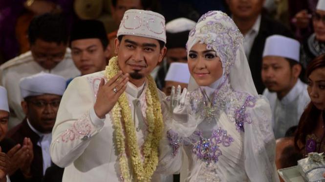 Ustad Solmed Menikah di Mesjid Al Muhajirin, Jakarta